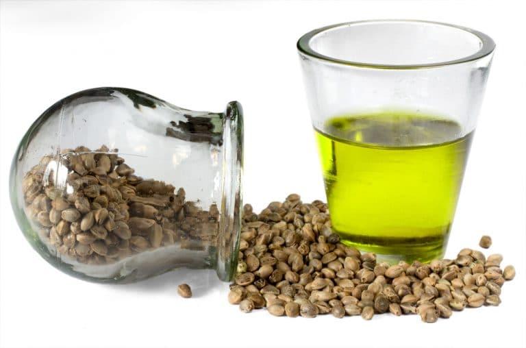 Aceite y semillas de cáñamo